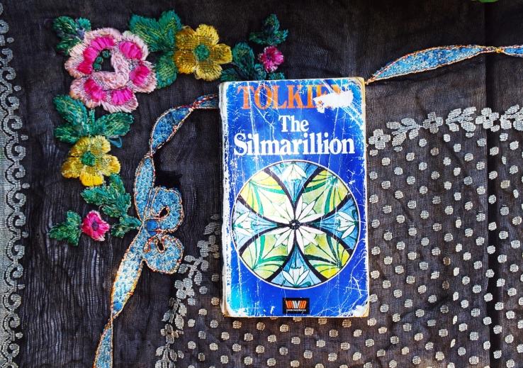 TheSilmarillionBookPic2